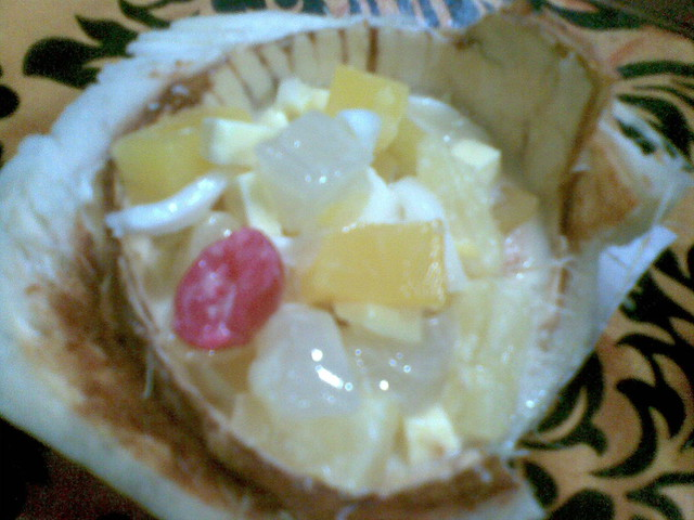 Filipino Style Fruit Salad http://www.flickr.com/photos/putrisalat/4032362278/