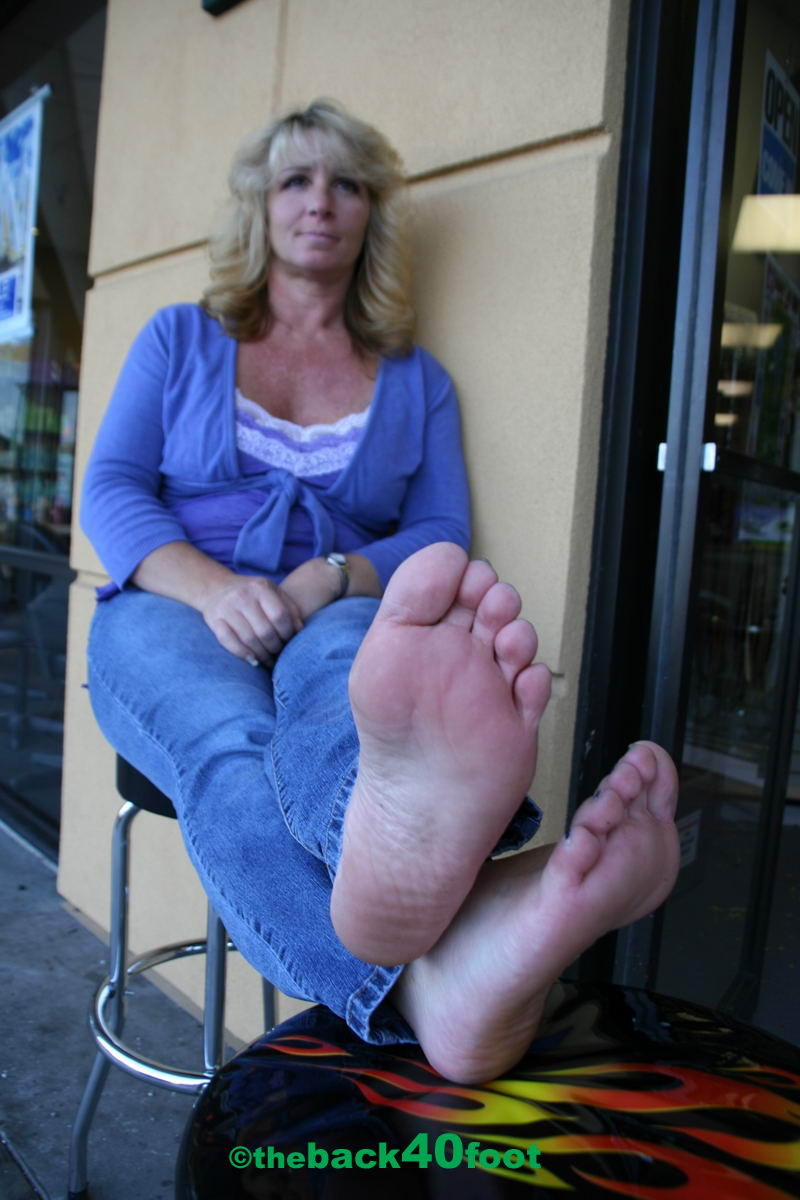 foot lady mature