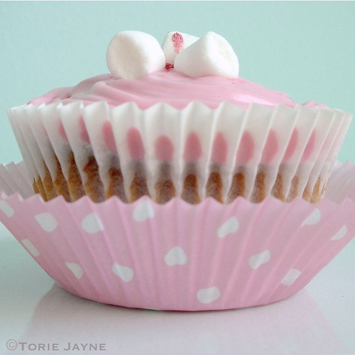 Gluten free White chocolate raspberry cupcake