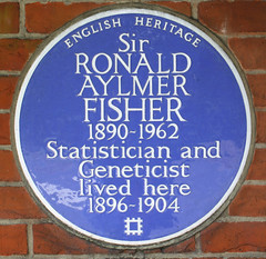 Photo of Ronald Fisher blue plaque