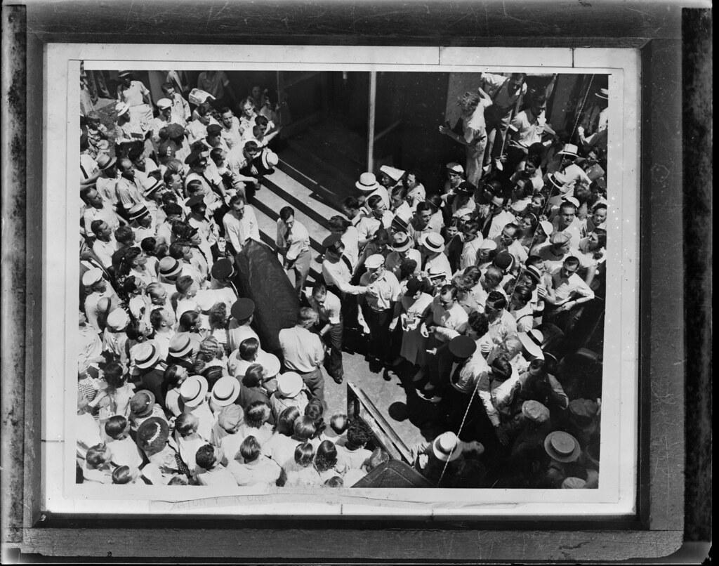 John Dillinger's body, 1935