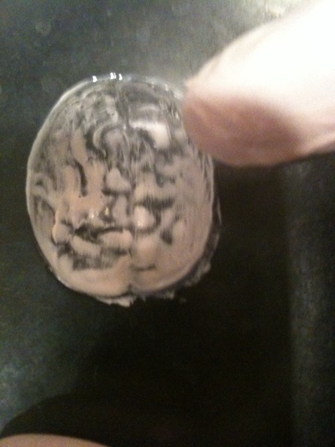 Step 4: smish some of the lighter colour into the brain mould crevices