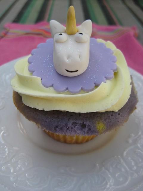 unicorn cupcakes on birthday cake name app