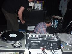 audio engineer(1.0), electronics(1.0), entertainment(1.0), disc jockey(1.0), electronic instrument(1.0),