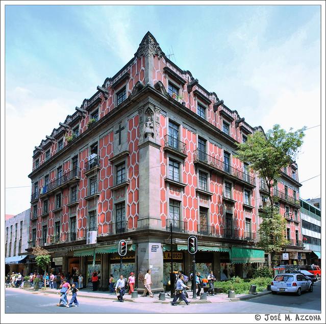 Mexico DF. Calle Rep. de Cuba, 78 (esquina con Rep. de Chile).