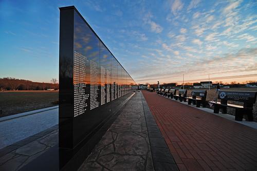 ohio nikon memorial perspective vietnam granite veteran warmemorial uwa d3s clintonohio summitcountyohio pse8 sigma1224ifexdghsm ohioveteransmemorial