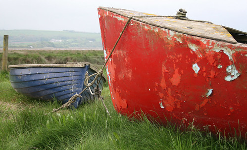 blue red green castle wales estuary dylanthomas laugharne goldstaraward putouttograss welcomeuk