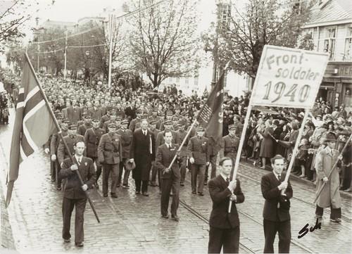 Frontsoldater fra 1940 i Borgertoget 17 Mai 1945