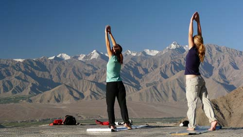 Girls yoga beginners in Ladakh
