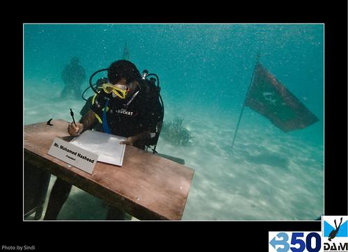 Maldives Unerwater Cabinet Meeting