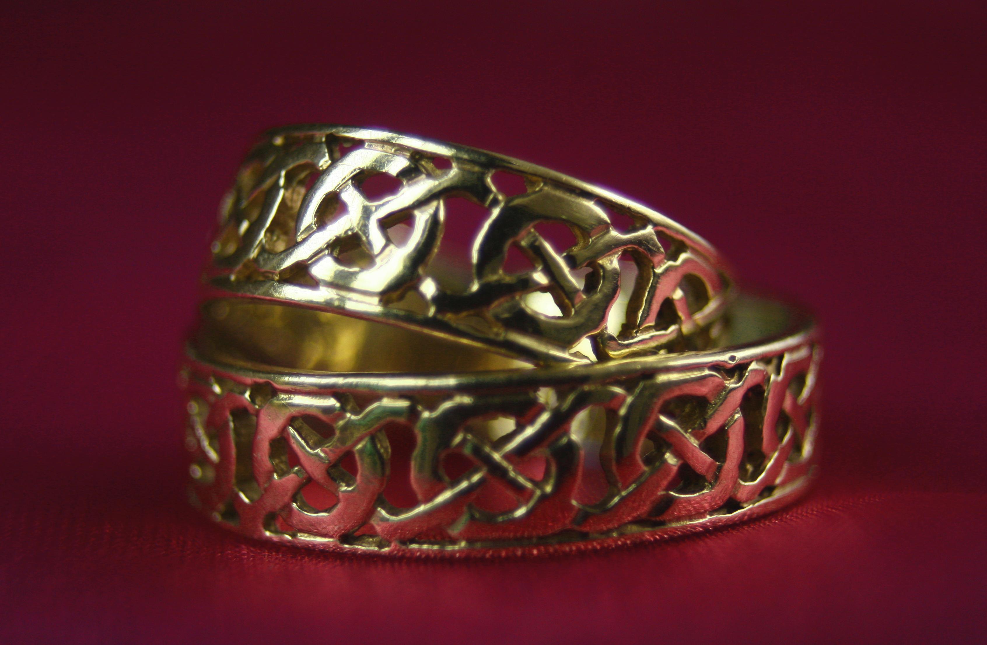 Small Celtic Wedding Cake