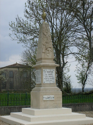 33-Saint Martin de Laye*