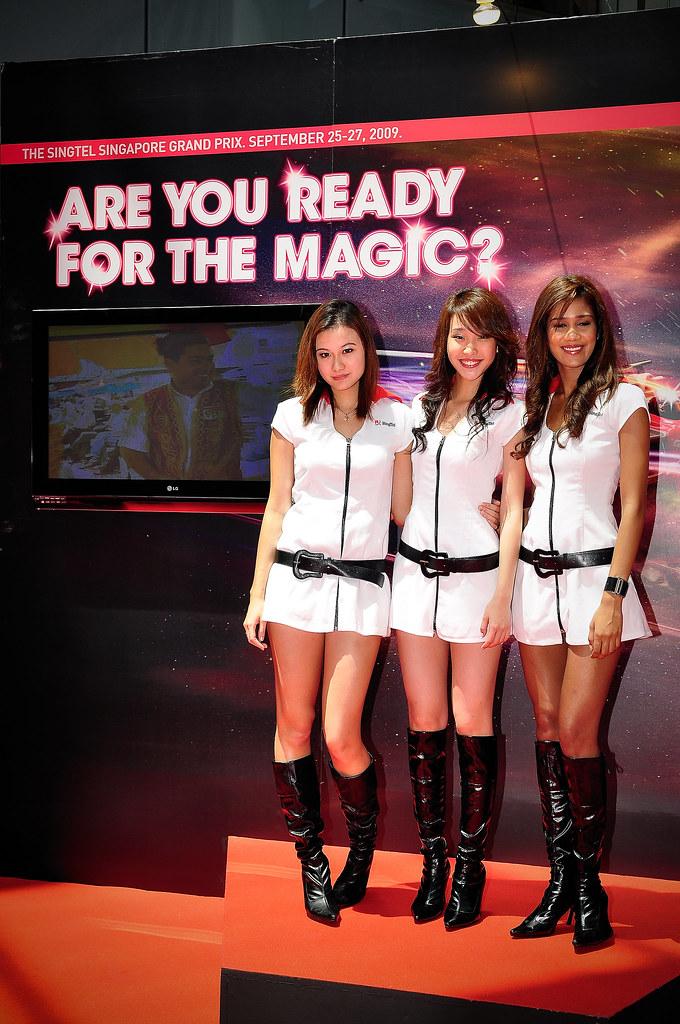 SingTel F1 Race Queen