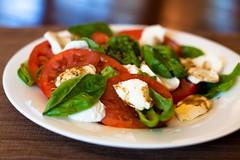 meal, spinach salad, breakfast, salad, vegetable, vegetarian food, caprese salad, produce, food, dish, cuisine,