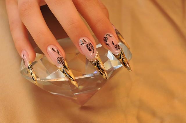 Лучшие дизайны ногтей на Новый Год 2012.