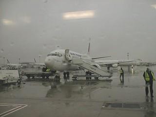 Boeing 737, Paris-Charles de Gaulle Airport