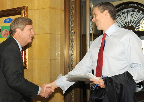 Agriculture Secretary Tom Vilsack welcomes  Secretary of Education Arne Duncan as he enters the U.S. Department of Agriculture for the Education Stakeholders Organization meeting held at the Department of Agriculture in Washington, D.C., on Friday, Nov. 6, 2009.