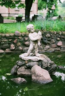 Imageof Švč. Mergelės Marijos Nekaltojo Prasidėjimo bažnyčia. sculpture fountain pond lithuania vilnius fujinatura1600