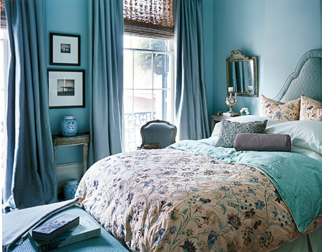 Lovely blue bedroom: Benjamin Moore 'Woodlawn Blue' + embroidered silk duvet