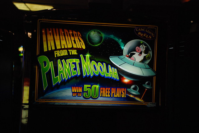 invaders from the planet moolah app