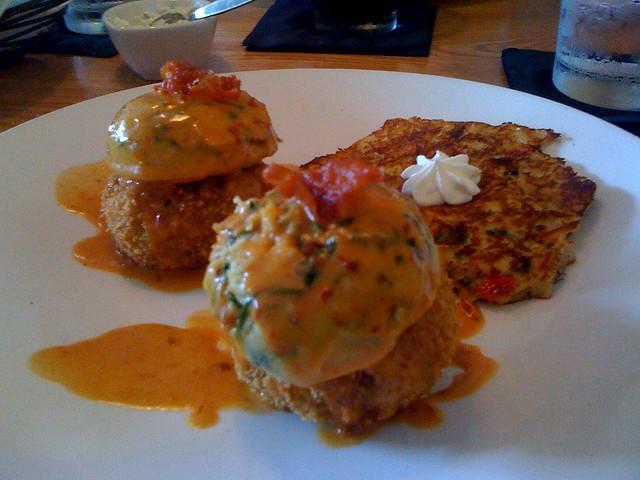 Crab Cake Hollandaise Sauce Or Bearnaise Sauce