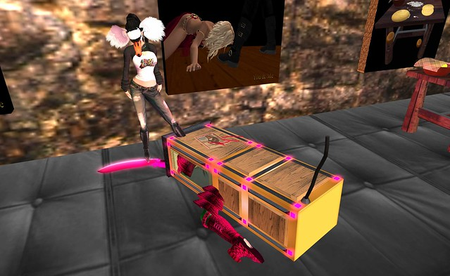 box boot kissing   Posted by Second Life Resident Torley O ...