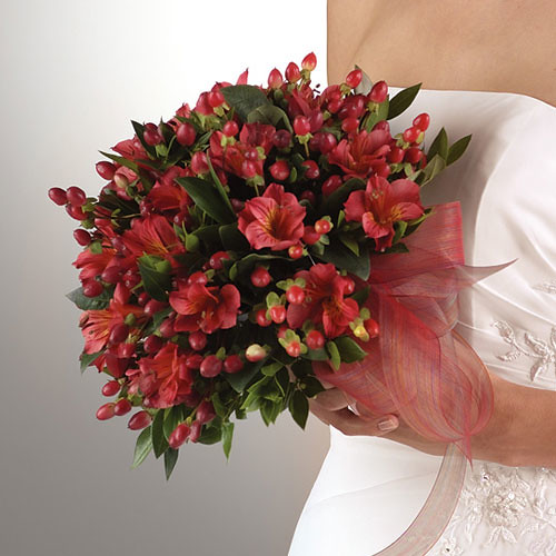 alstroemeria  amp  hypericum bouquetAlstroemeria Bouquet