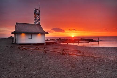 toronto ontario sunrise dawn sand nikon beaches lakeontario evidence ashbridgesbay digitalblend leutylifeguardstation 9exp 751am