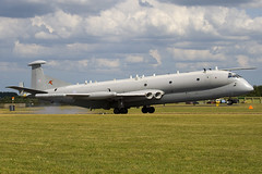 XW665 - Royal Air Force - Hawker Siddeley Nimrod R1 - 090704 - Waddington - Steven Gray - IMG_9083