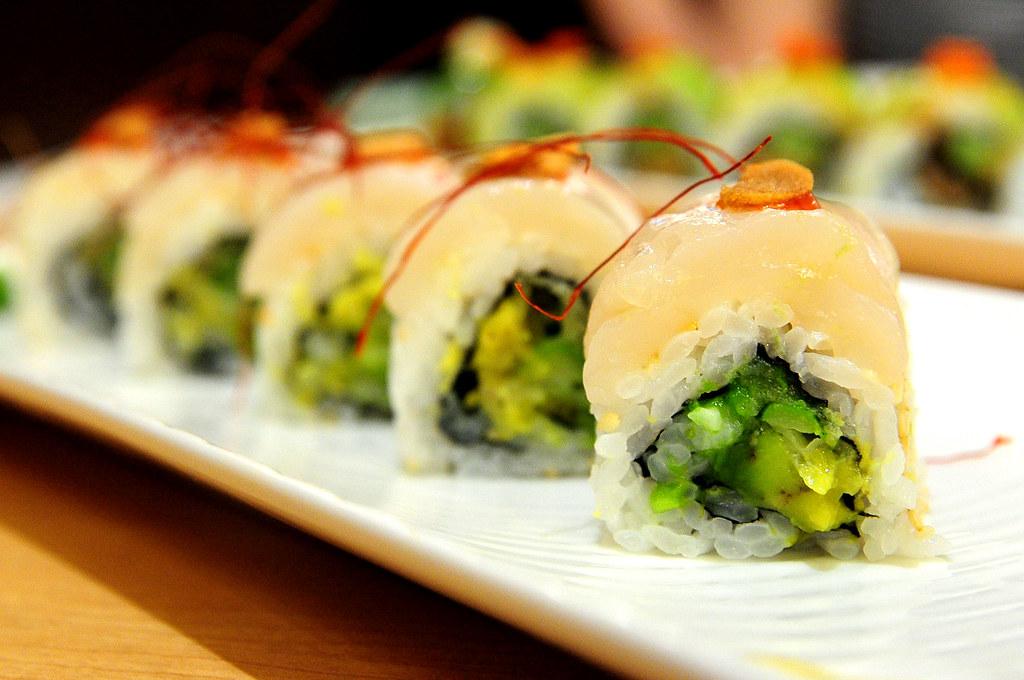 Rainbow Row Sushi 紅彩壽司-辣汁味噌帆立貝卷 NT$280