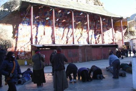 Pilgrims, Lhasa, Dec 2007
