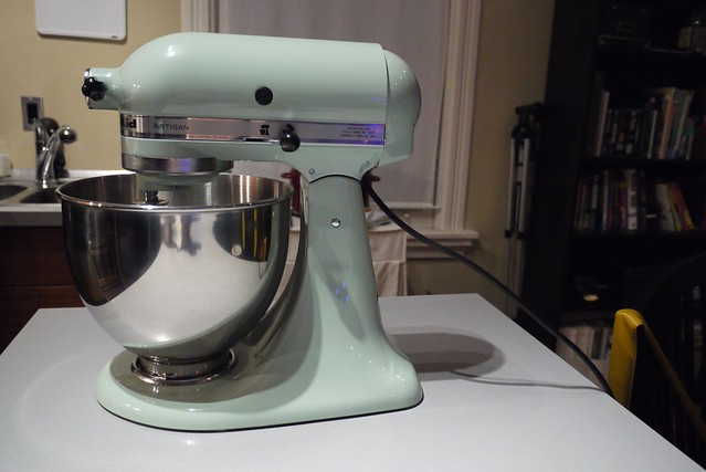 Kitchen Aid Mixer That Moves Up And Down