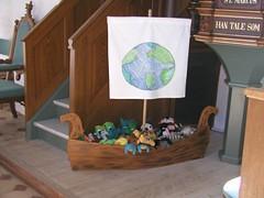 Legeskib til børnene i Sædder Kirke