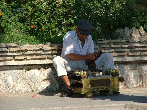 Shoe shine boy (Turkey)