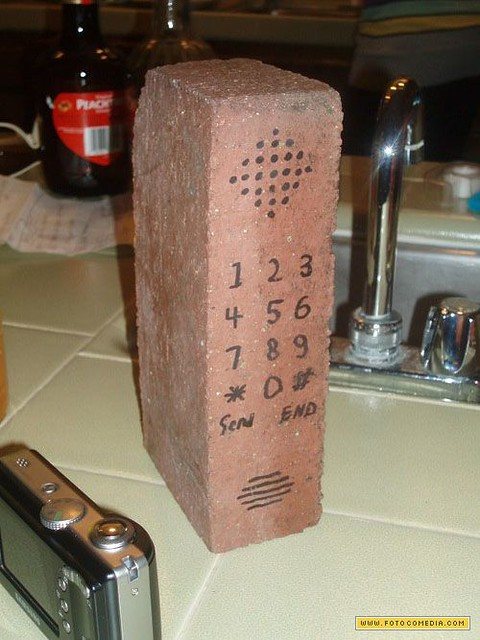 celular tijolo