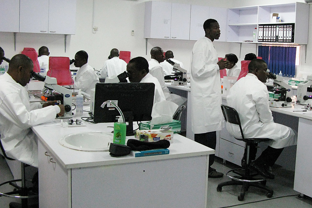 USAMRUK Malaria Diagnostics and Control Center of Excellence microscopy training -  Nigeria, Africa, September 2009