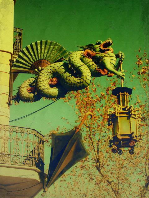 El Dragón y el Paraguas