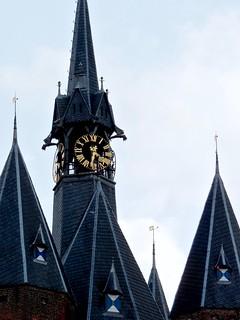 Image of Sassenpoort. clock thenetherlands reloj onwhite klok topic zwolle sassenstraat citygate 時計 sassenpoort publicclockphotography arjanrichter アリアンリヒター sassenpoortzwolle