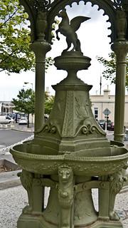 Kuva Queen Victoria Fountain lähellä Dún Laoghaire-Rathdown. ireland dublin streets europe dunlaoghaire streetsofdublin infomatique