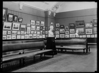 The Picture Gallery, Mitchell Library, Sydney, Dec 1923,by the Daily Mail