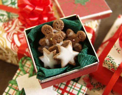 Christmas in Miniature - Gingerbread Cookies