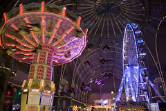 tourist attraction, recreation, outdoor recreation, fair, night, amusement ride, ferris wheel, amusement park,