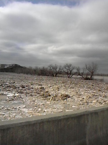 1st pic  ice on wht rvr cauz rvr to spill over its banks  taken from bridge