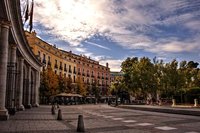 Plaza de Oriente in Madrid, Spain - Flickr CC felipe_gabaldon