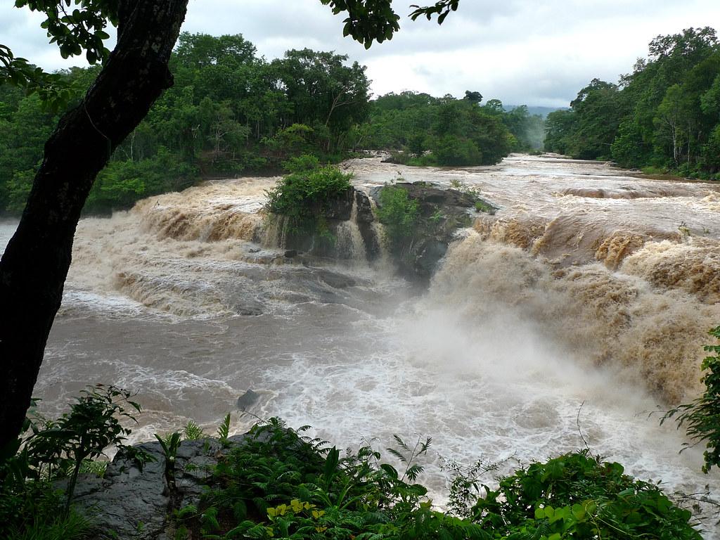 Laos Bolaven Tad Suong waterfall