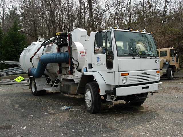 Leaf Vacuum Truck http://www.flickr.com/photos/40126553@N03/4517283615/