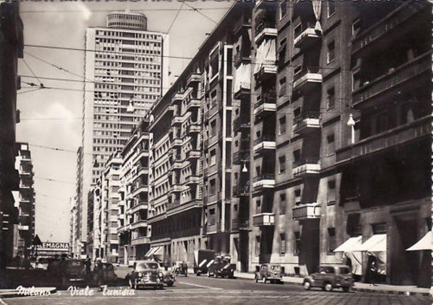 Fluidr viale tunisia seconda met anni 39 50 sullo for Piscina cozzi milano