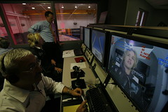 Sir Richard Branson helps monitor Sam's flight profile. Credit Mark Greenberg