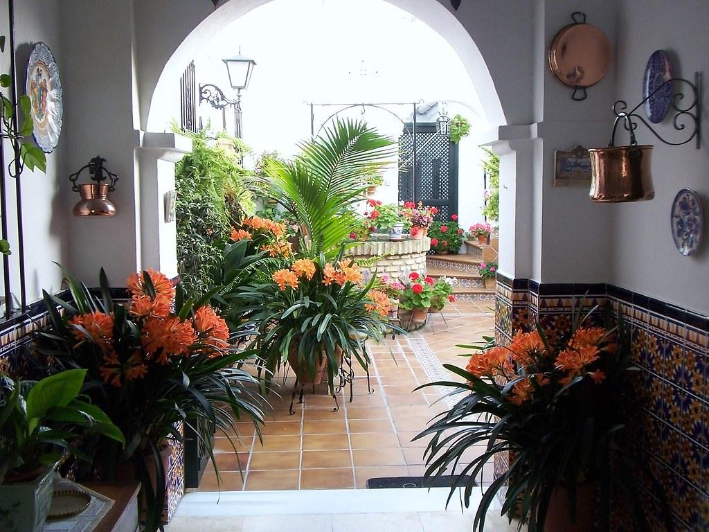 T pico patio andaluz en sanl car de barrameda a photo on - Fotos patio andaluz ...