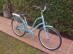 road bicycle, wheel, vehicle, land vehicle, bicycle frame, bicycle,